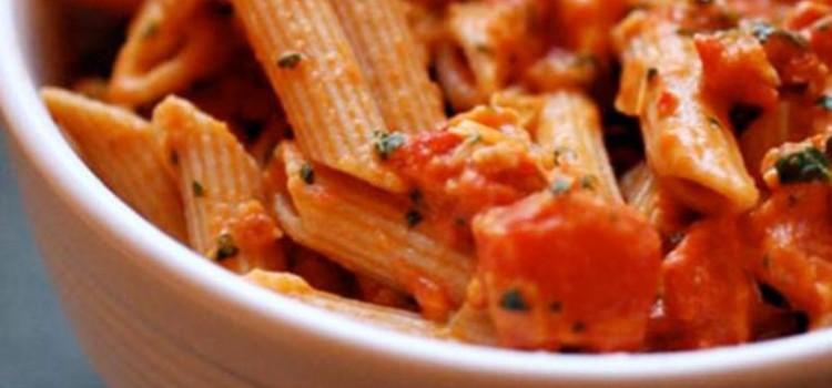 Pasta with chicken, tomato and arugula1