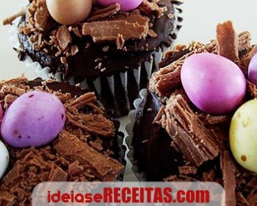 Cupcake com recheio surpresa para a Páscoa