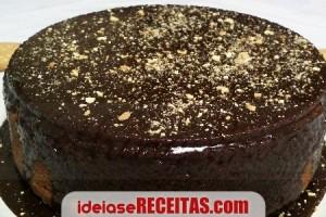 receita-bolo-bolacha-calda-chocolate
