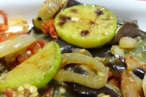 receita-abobrinha-tomates-assados