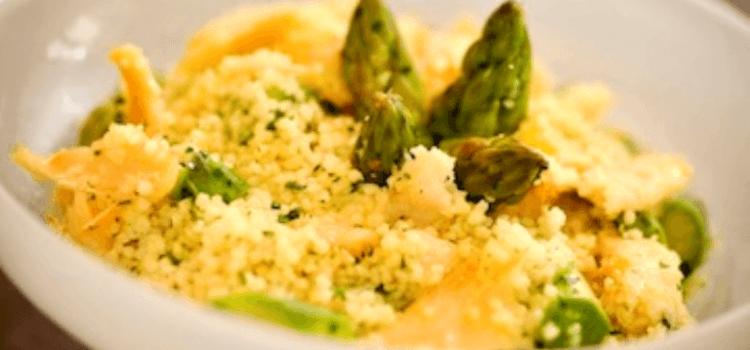 Salada de Couscous Marroquino com Lascas de Bacalhau e Aspargos