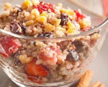 Doce aromático de quinoa com iogurte