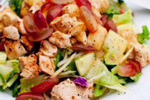 salada de frango com uvas