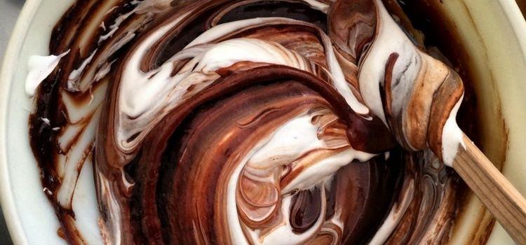 Bolo de chocolate e claras