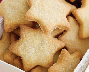 Bolachas caseiras de manteiga para oferecer natal