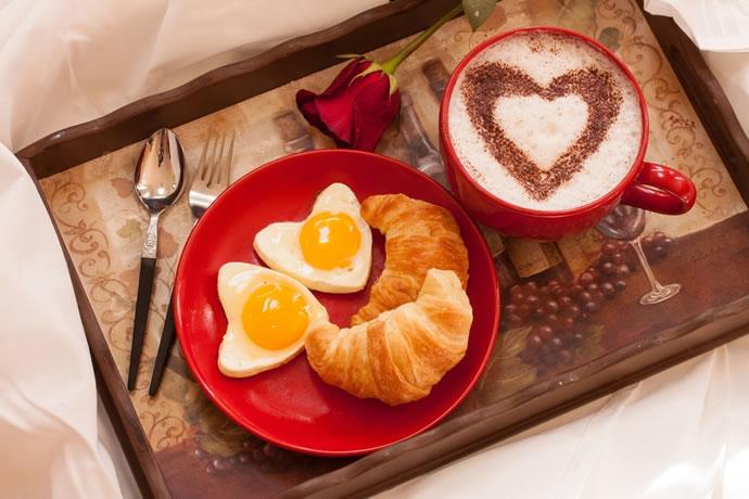 pequeno almoco romantico